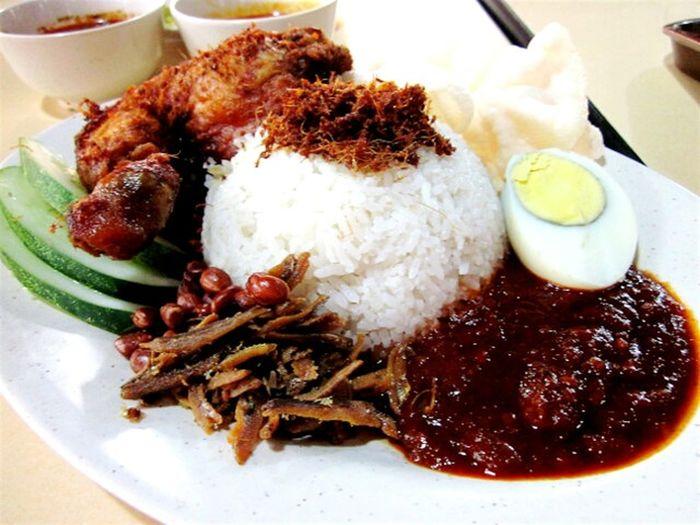 nasi lemak malaysian style Relaxing Malaysian Food Nasilemak Show Me Your Juicy Lips!