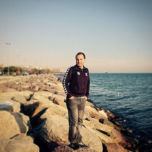Kartal Sahil Kayalar Deniz Sea Rocks BJK