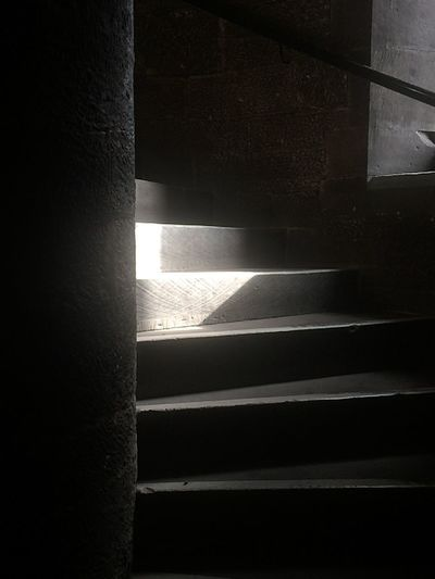 University of Glasgow Light And Shadow Stairs Spiral Learn & Shoot: Single Light Source