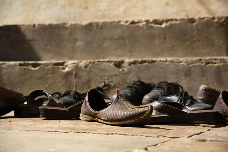 Many shoes in front of a temple in India India Indian Shoe ShoePorn Shoes ♥ Stairs Temples Travel Travel Photography Traveling Travelling Close-up Day No People Outdoors Pair Shoe Shoes Shoes In Front Of A Temple Shoes Of The Day Temple Temple - Building Things That Go Together Travel Destinations Travelphotography