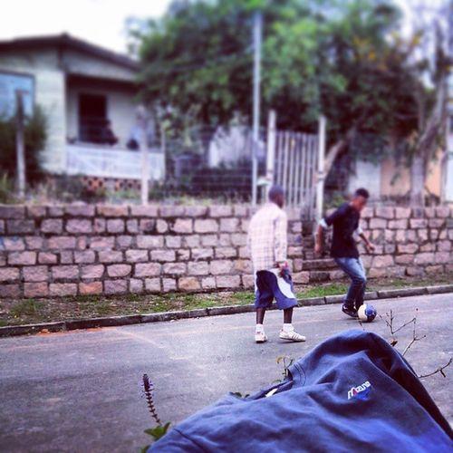Futebol na vila e os caralho. Fut  Villa Piazada Piazadadotoddy 22deabril