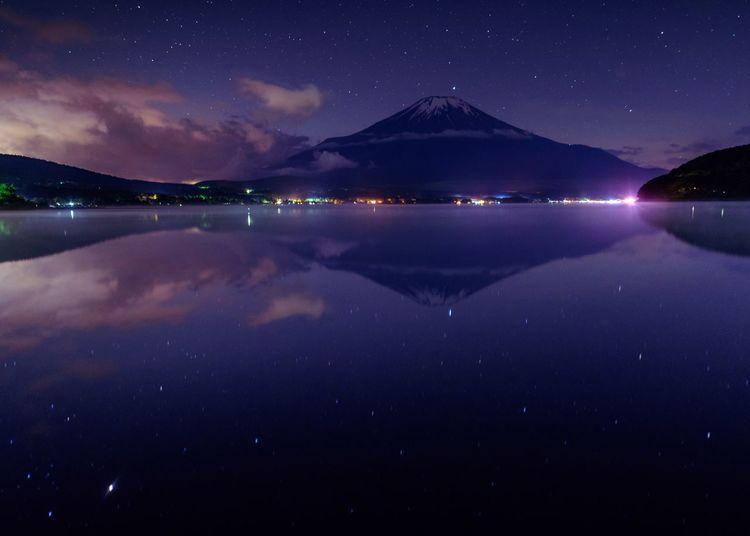 Mt. Fuji & twinkling stars in Yamanako Lake✨💫 Naturaleza Landscape_Collection Japan Nature Landscape_photography Reflection Lake Stars Astrophotography Nightphotography 山中湖 富士山 Mt.Fuji