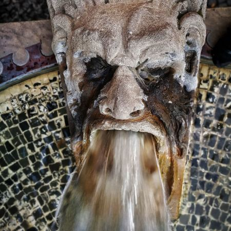Am Dom EyeEm Selects Water Close-up Design Architectural Detail Fountain Sculpture