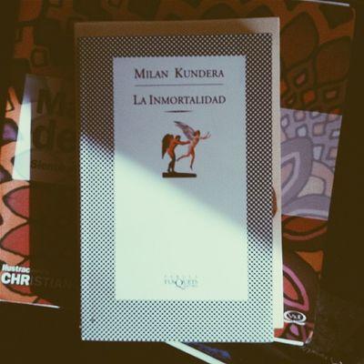 Me gusta mucho la portada de este libro.