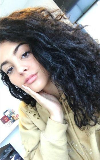 Maluqueen Malustrevejo Girl Cute Beautiful Insta Instaqueen Beautiful Woman Curly Hair Beauty