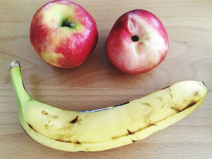 Smiling Smile Healthy Eating Fruit Food Food And Drink Wellbeing Freshness Apple - Fruit Banana