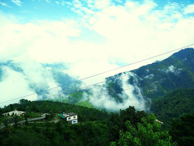 ❤ this view Check This Out Beautiful Wonderlust Mussoorie Drive Himalayas Nature Green First Eyeem Photo Longdrive Clouds
