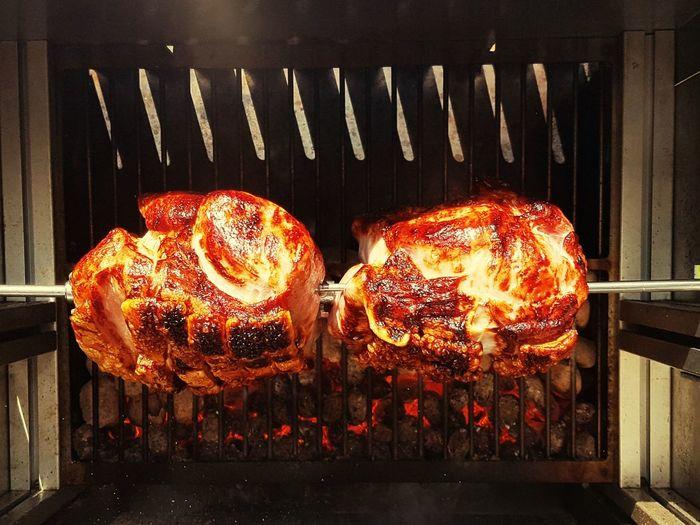 Grillen Heiß Essen Braten Grillen Grillen & Chillen Grillen Mit Freunden EyeEm Selects Cast Iron Barbecue Burning Fireball Barbecue Grill