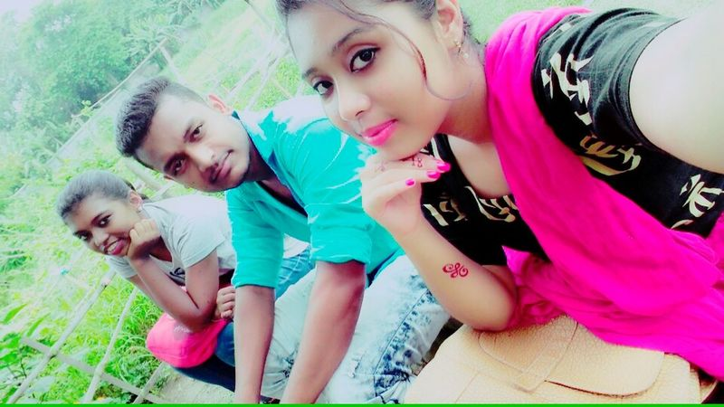 Me and my frirnds... People Friendship Teenager Portrait Togetherness Looking At Camera