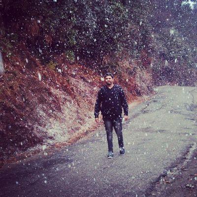Snowfall Barot Maghi Enjoy Himachal Black Instapic Pic_of_day Nazaare Fun Snowfall Cottonsnowfall