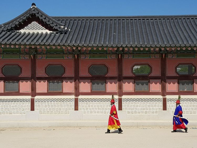 Gyeongbokgung Palace, Seoul Tripwithson2017 Trip To Seoul Palace Architecture Seoularchitecture Seoul Streetphotography Streetphotography Practise Session Korean Culture Seoulspring2017 Seoulmay2017 Seoul Southkorea