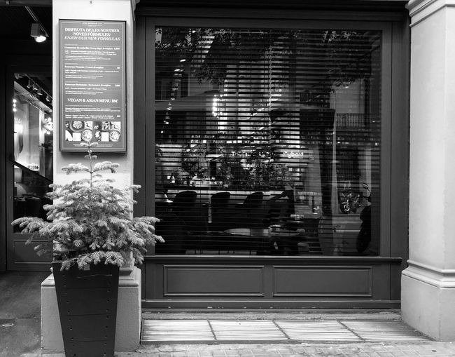 Jaime Beriestain Restaurant Streetphotography Bw_collection Reflection Black And White Black & White Bw_lover BW_photography Blackandwhite EyeEmNewHere EyeEm Gallery Eye4photography  IPhoneography Iphonephotography Iphoneonly Architecture Building Exterior Built Structure Plant Building City Illuminated Entrance No People Window Outdoors Office Building Exterior Tree