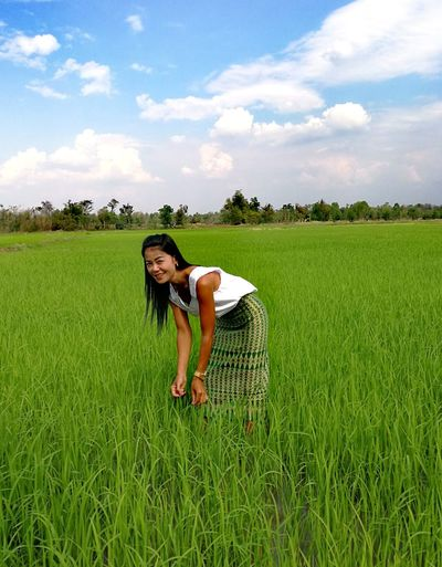 Women One Woman Only One Person Field Green Color Sky Cereal Plant Cloud - Sky Growth People Nature Full Length Rural Scene Beauty In Nature Thailand🇹🇭 2018 EyeEmNewHere Tranquility Beauty❤