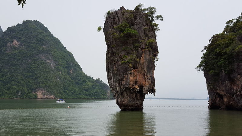 James Bond Island – Khao Phing Thailand Insel James Bond Khao Phing Kan Rock Beauty In Nature Cliff Day Eyemtravel James Bond Island Mountain Natural Arch Nature No People Outdoors Physical Geography Reisefotografie Rock - Object Rock Formation Scenics Sea Sky Tranquil Scene Tranquility Water Waterfront