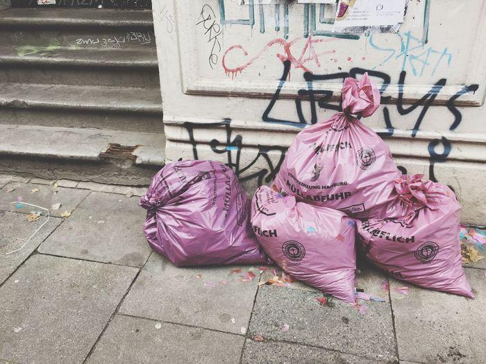 one man's trash Streetview Streetphotography Garbage Trash Is Treasured