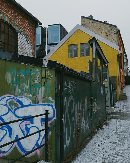 No People Outdoors Sky Day Oslo Streetphotography Norway Street Photo Built Structure Architecture Building Exterior Contrast Newandold Winter Day Variation Paint The Town Yellow Shades Of Winter