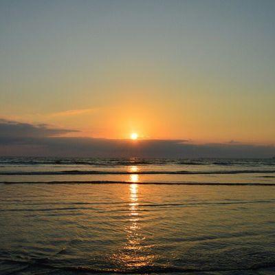 Sunset ForTheLoveOfSunsets Beautifulskyseries Ig_pakistan IgersKarachi igerspakistan nofilter VscoPakistan Vsco vscocam vzcopakistan IM_Pakistan Silhouette mybeachdiaries Beach SunSet Life