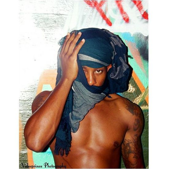 @4dalifeofaaron Photography By: @Videoprince Photography Photographer Videoprince Cameraready Cameralife FaceShot Atlanta Malemodel  Model Werk Splash Effect Turban 4dalifeofaaron Greatshot Media Visuals Awesome