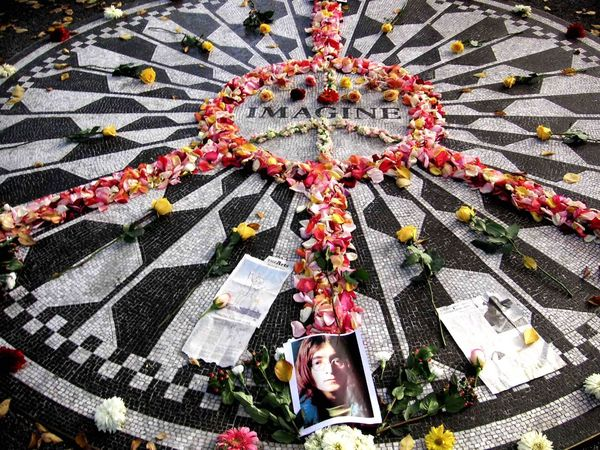 Strawberry Fields Strawberry Fields John Lennon Central Park New York Manhattan Dacota House Check This Out Hello World Hi! Big Apple Cool Garden Buitifull 19801208 The Beatles Imagine Ono Yoko