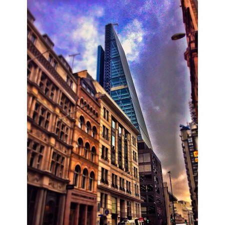 Towers that knock on the sky! London_only Londonpop Lom_hit Igerslondon London Ig_london LDN Timeoutlondon Mylondon Lovelondon