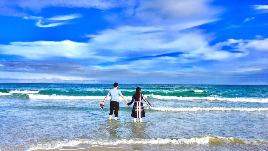 Honeymoon Love Romance Sea Water Beach Real People Land Sky Horizon Over Water Beauty In Nature Cloud - Sky Lifestyles Leisure Activity Wave Nature Togetherness Scenics - Nature People Outdoors Day EyeEmNewHere This Is Family