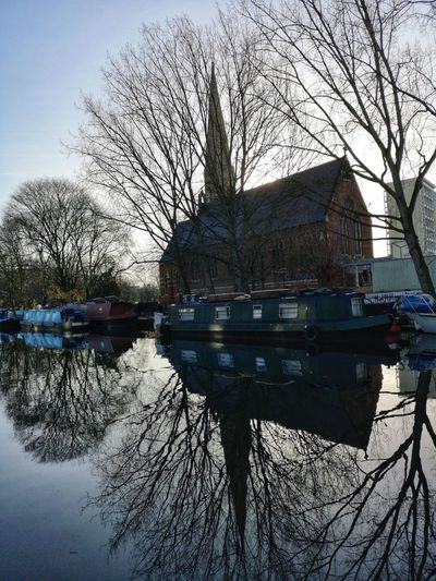 GRAND UNION CANAL Huawei P20 Pro Huwaei Photography England London Maida Vale Grand Union Canal Tree Water Lake Reflection Sky Architecture Building Exterior Built Structure Reflecting Pool Willow Tree Branch Tree Trunk Waterfront Reflection Lake Tranquil Scene