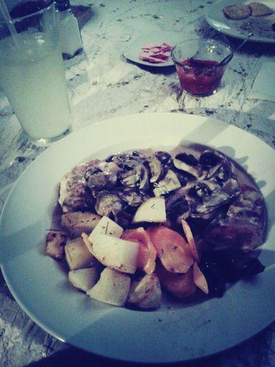 Foodgasm 'Pollo con champiñones y verduras a la mantequilla' un verdadero manjar!!