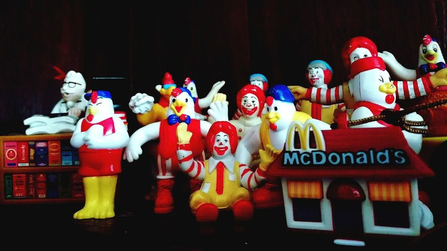 Mobilephotos Close-up Macdonalds MacDonald EyeEm Macdonald's Dall Mascot PhonePhotography Huaweiphotography Portrait Photography Mobile_photographer Mobile Photography Mobilephone Photography Mobile Phone Photography Phonephotography📱 Phoneography Huawei Photography Huawei Shots Idol Male Likeness