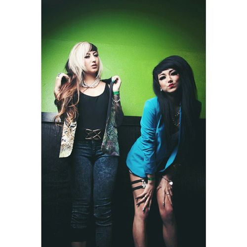 A shot we got of these two lovely girls last night backstage. A little bit of a change for us in otc but we always welcome different music styles. Be on the lookout for more and the review up on offthechainpress.com later tonight. #otcpress #otc #press #millionaires #allisongreen #mellissagreen #blue #green #cute #jackets #cool #otclyfe #promo #lastnight #chill #girls #swag #instacool #potd #asain #asaingirls #epphotography #portrait