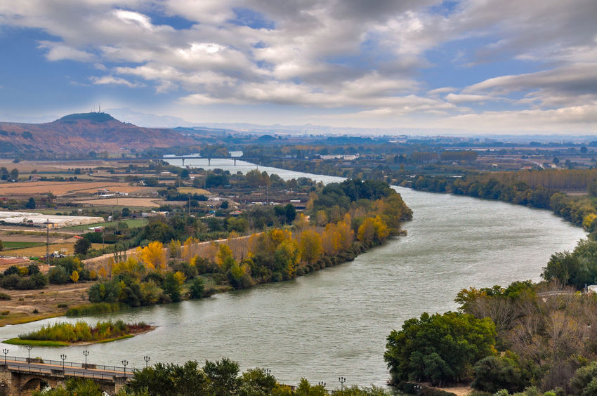Tree High Angle View Cloud - Sky Mountain Scenics No People Outdoors Sky Landscape Mountain Range Travel Destinations Nature Day Panoramic Beauty In Nature Ebro Ebro River Spain🇪🇸 SPAIN Tudela Tudela De Duero Rural Scene Aerial View Cityscape Horizon Over Water