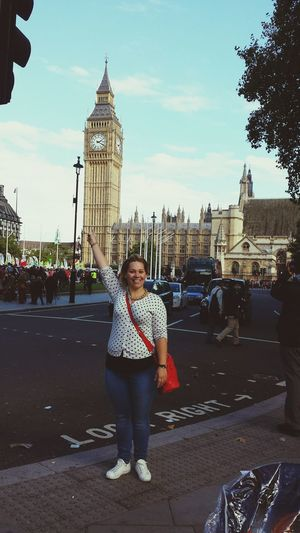 Taking Photos Relaxing My Sister Enjoying Life LONDON❤ Big Ben Having Fun :)