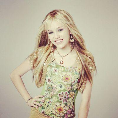 @mileycyrus @linilove0o Milesbians Mileyisnotugly Mileycyrus HannahMontana instagramforfree
