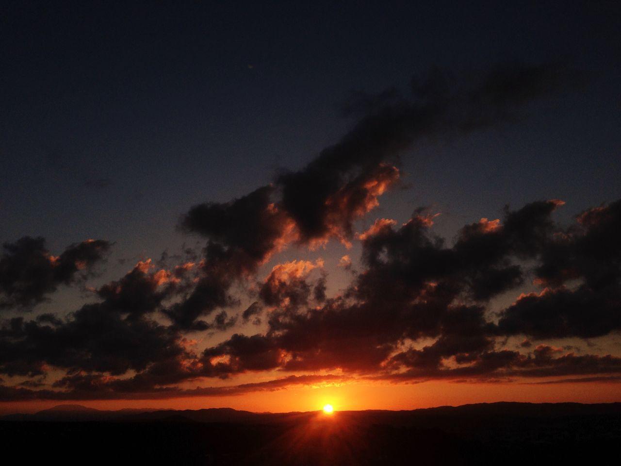 sunset, sun, silhouette, beauty in nature, nature, scenics, orange color, sky, majestic, tranquil scene, tranquility, idyllic, no people, outdoors, cloud - sky, landscape