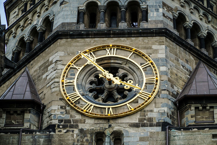 City West Gedächtniskirche Architecture Astrology Sign Astronomical Clock Astronomy Building Exterior Built Structure City Clock Clock Face Clock Tower Day Façade Gold Colored History Low Angle View No People Outdoors Statue Time Time To Reflect Travel Destinations
