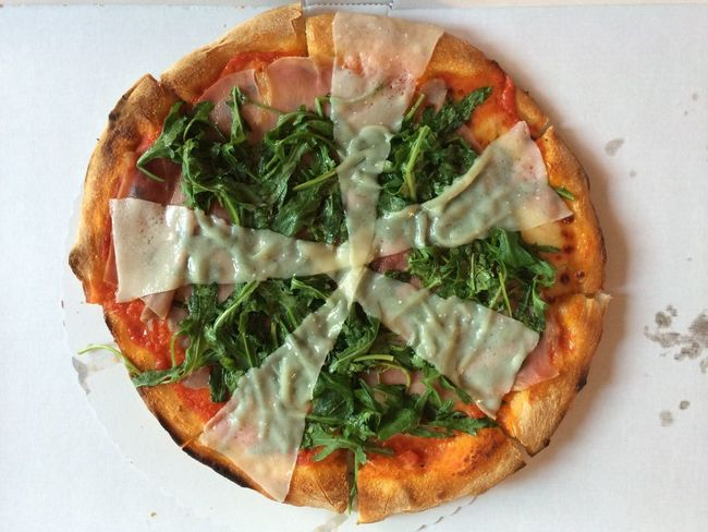 They call this Pizza 'Mona Lisa'! Wondering; why!? Next time I'll ask…