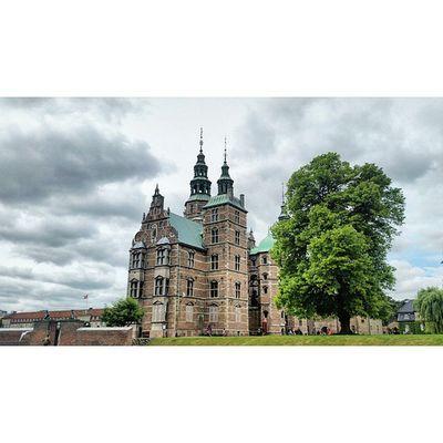 Rosenborg Castle is a renaissance castle located in Copenhagen, it was originally built as a country summerhouse in1606Rosenborgcastle Rosenbergslot Köbenhavn Nyhavnport Copenhagen Nyhavn Cb_travellogs @visitcopenhagen