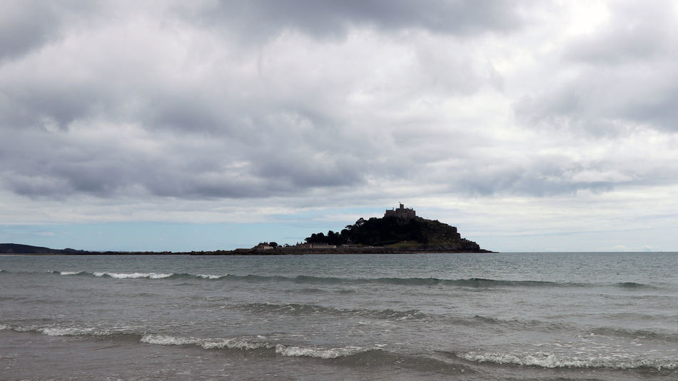 3XPSUnity Beach Beauty In Nature Cloud - Sky Cornwall Cornwall Uk Day Horizon Over Water Ladyphotographerofthemonth Nature No People Outdoors Scenics Sea Sky St Michaels Mount Tranquility Water Wave