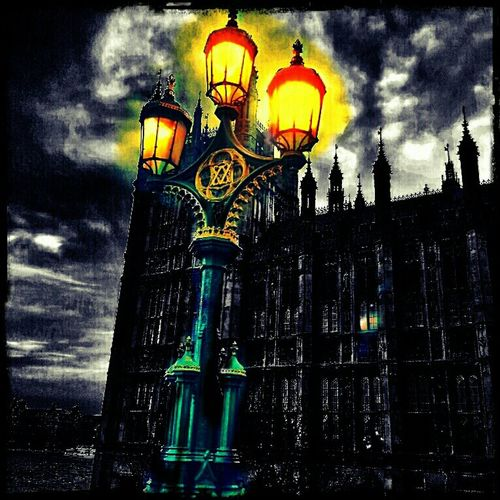 Dark light Gothic London Lamp Post Dark Streetlights Monochrome Westminster Mono 28 DAYS LATER Light