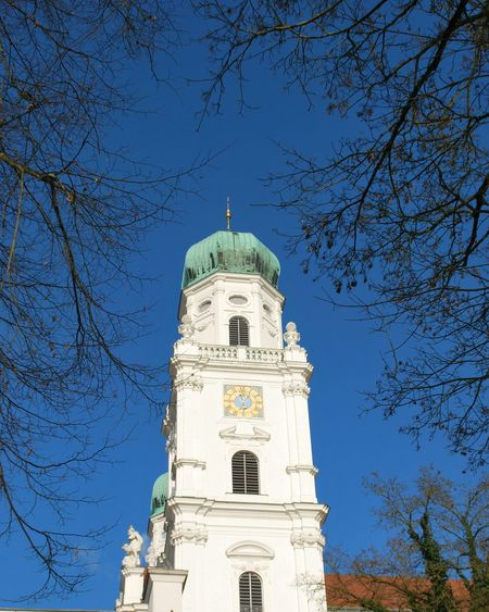 Showcase: January Noedit NoEditNoFilter Noedit Beautiful The Purist (no Edit, No Filter) NoEdits  Ohnefilter Ohne Filter Turm Kirchturm Blau Blue Blue Sky Spire  Tower Church Tower Churchspire Dom DomTower Dome Frame Rahmen Blue Wave