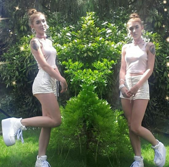 Today plain outfit with my platform trainers and natural hair sorry about the clarity of the photo the lighting is poop :) Alternative Platforms Ootd Shorts Tattoo Stretchedears Heartchoker Outside Garden Beautiful