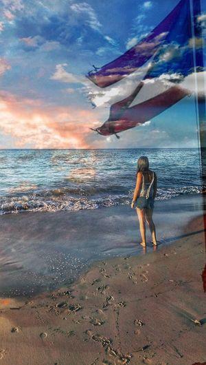 Hoy me toca llorarte, hoy me toca extrañarte, hoy me toca anhelarte, hoy me toca más que nunca sentirme tuyo. Hoy me toca sentir esa impotencia de estar lejos de ti pero querer estar con todas mis fuerzas en ti. Hoy sangra tu estrella y llora mi bandera.. Y en este proceso tan difícil para mi patria, querer estar allá y no poder me agobia. Que Dios sea quien tome el control sobre mi familia, amigos y compatriotas de mi isla del encanto!! Mi Isla del Encanto, mi Puerto Rico, mi querido y bendito Puerto Rico.. #prayforpuertorico #staystrong #wewillmakeit 🇵🇷❤😢🙏 Beach Cloud - Sky Full Length Sky One Person Horizon Over Water Water Standing Real People Nature Young Adult Sand Beauty In Nature Lifestyles Scenics Outdoors Young Women Day Wave Aguada