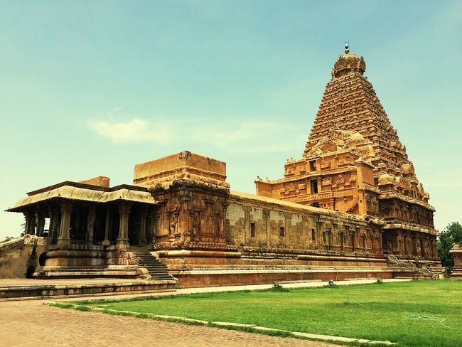 1000 years old The Great Thanjavur Big Temple at Tamil Nadu , India Built by Raja Raja Chola 1 in 1010 ADHistorical Place Historic History Architecture Historical Landmarks Historical Check This Out EyeEmBestPics India_clicks Eyeem India EyeEm Best Shots Best Of EyeEm Best EyeEm Shot Great Temple Hindu Temple HinduTemple Tamil Culture Tamilnadutourism