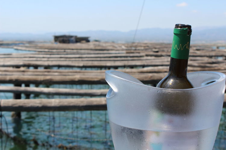 http://www.raconets.com/es/2017/08/miradorbadia/ Experience Oyster  Wine Excursion Boat Water Sky Bottle Ink Day Outdoors Vino Barça Mar Delta De L'Ebre Freshness Mejillones Close-up No People Ostras Cultivo Medio Ambiente Focus On Foreground Raconets