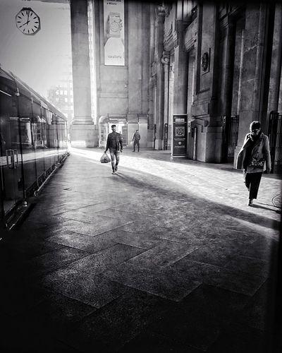 Crossing at 8 am | #ShotOniPhone6S #Hipstamatic app | Snapseed Youmobile EyeEm Wearegrryo Shootermag The City Light Long Goodbye