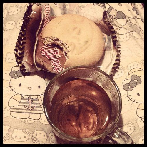 دوس دارم خووووب الان ميچسبه ? Cookie Tea Koolooche Chay midnight feelsgood