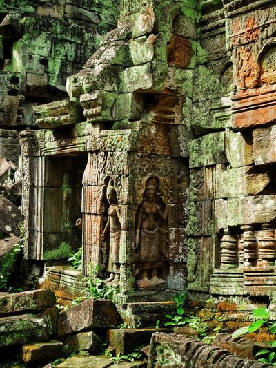 Khmer carving in a temple Angkor Thom Carving Temple Khmer Khmer Temple Khmer Architecture Cambodia Old Ruin History Architecture Built Structure Ancient Civilization Ancient Place Of Worship Travel Destinations Religion Spirituality No People Building Exterior Sculpture