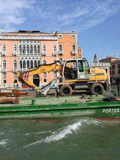 Excavator Navigation Gran Canal Windows Terraces EyeEmNewHere Barge For Transport City Water Cityscape Sky Architecture Building Exterior Plastic Environment - LIMEX IMAGINE