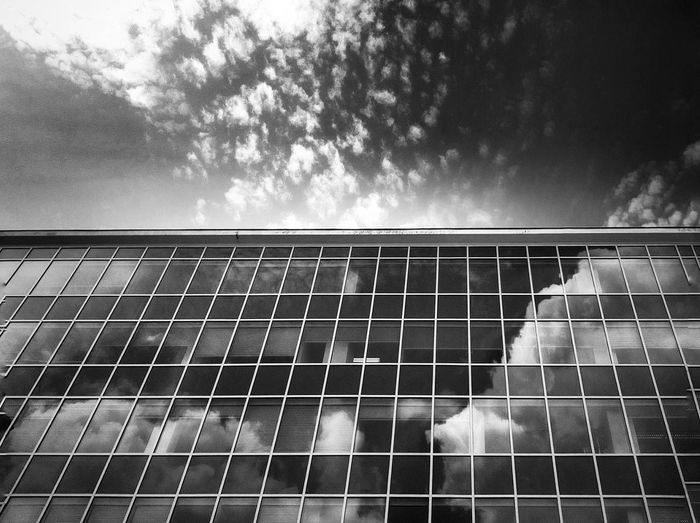 Black And White Friday Sky Cloud - Sky Day No People Outdoors Architecture Minimalism Window Reflection Clouds And Sky Blackandwhite Windows Cloud The Architect - 2018 EyeEm Awards