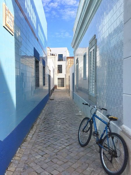 Portugal Algarve Sotavento Narrow Street Blue Bicycle Wu_portugal Portugaldenorteasul Portugal_em_fotos Portugaligers Portugal_de_sonho