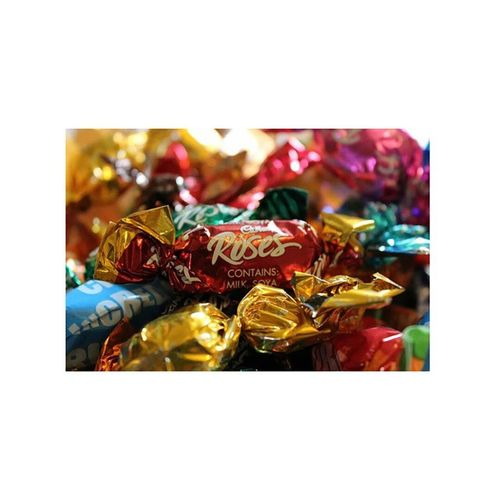 Christmas is the best time for chocolate ? Photgraphy Photographer Ownphotos Roses chocolate canon 1200d colours